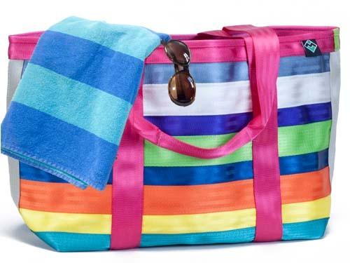Groovy Green Livin Beach Bag